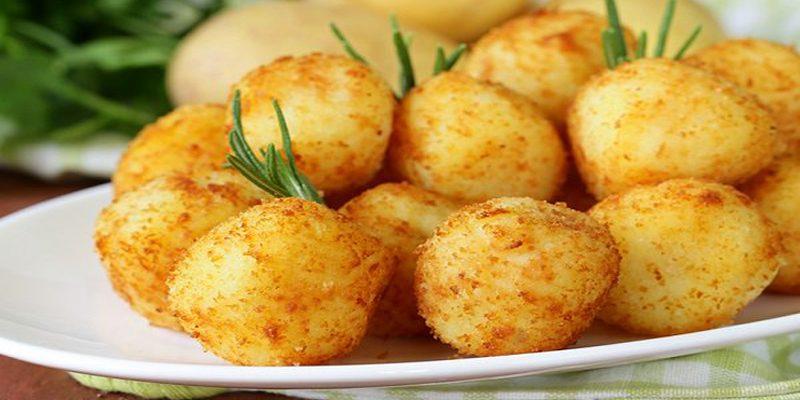 كروكيت البطاطس والذرة على طريقة منال العالم وكيفية تحضيرها