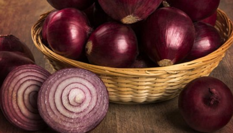 تفسير رؤية تقطيع ثمار البصل في المنام