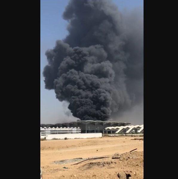 حريق ضخم في محطة قطار الحرمين في مدينة جدة في السعودية