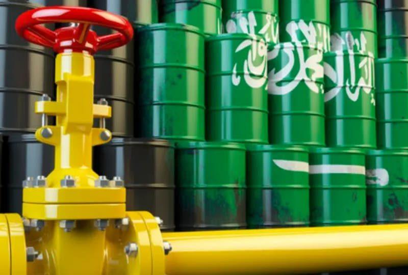 ريفنتيف للبيانات: 8 سفن تصطف حاليا لتحميل النفط في رأس تنورة
