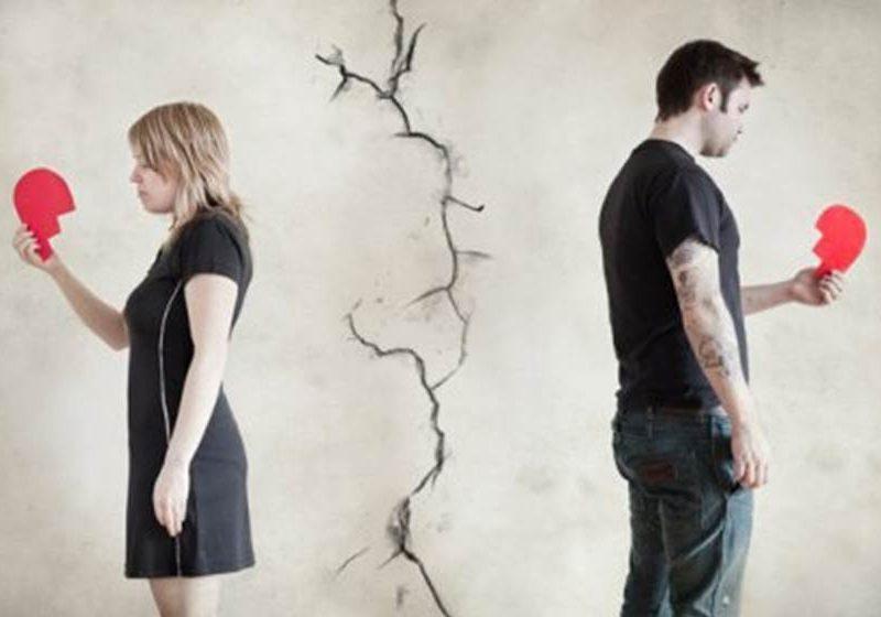 تفسير حلم الطلاق للعزباء والمتزوجة والرجل ودلالة الطلقة والثلاث طلقات