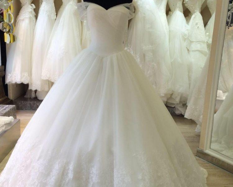 تفسير حلم لبس الفستان الابيض في المنام