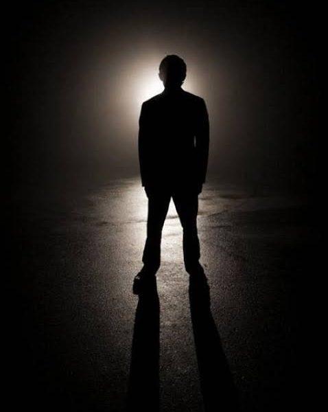 تفسير رؤية التواجد في مكان مظلم في المنام